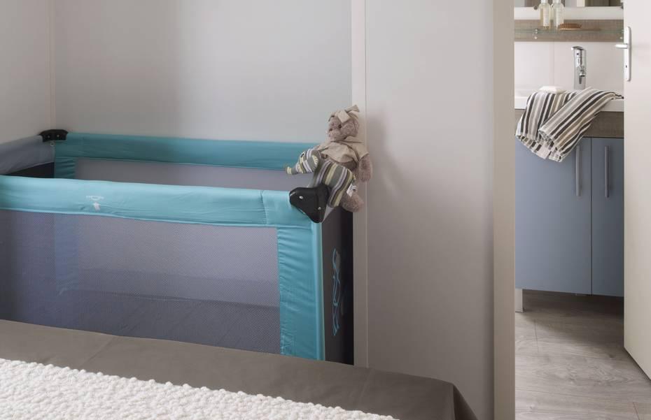 mh-4p-confort-chambre-parents-vue-sdb