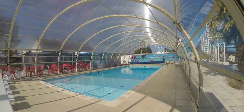 Relaxez vous dans la piscine couverte de notre camping deNormandie