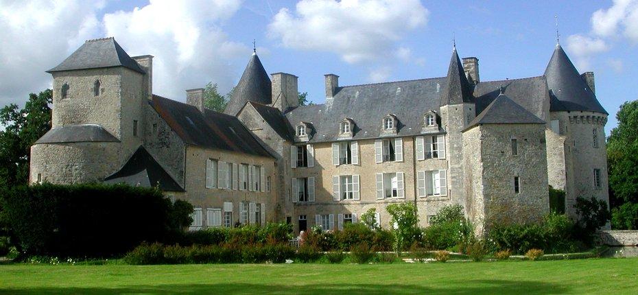 Visiter en Normandie le Chateau des Colombieres